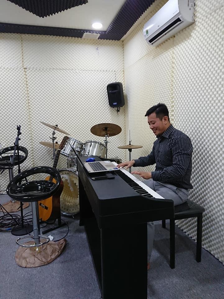 cách lấy hơi, cách mở khẩu hình, cách phát âm chuẩn, chuyên gia thanh nhạc, Giảng Viên uy tín tốt nghiệp thạc sĩ từ Nhạc Viện, học thanh nhạc, không biết hát, kĩ năng, kĩ thuật thanh nhạc, luyện tập thanh nhạc, nhạc lý cơ bản, nơi học thanh nhạc